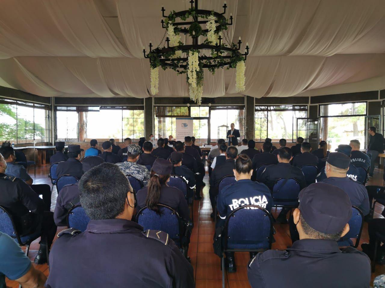 60 agentes de autoridad formados en derechos humanos